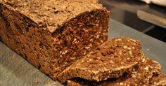 Lækkert rugbrød med inspiration fra Meyers mørkerugbrød. Selvom det kræver lidt tid, er et hjemmebagt rugbrød bare det bedste!!   - Christ...