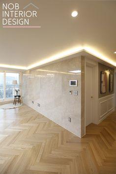 [부천인테리어 잘하는 곳] 웨인스코팅 + 천연대리석으로 꾸민 40평대 아파트 거실 인테리어 + 부천 중동 팰리스카운티 49평(보람아주) : 네이버 블로그 Interior Decorating, Interior Design, Planer, Tiles, Condo, Decoration, New Homes, Bathtub, Windows