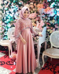 Kebaya Hijab, Bridesmaid Dresses, Wedding Dresses, Fashion, Bridal Dresses, Moda, Bridal Gowns, Bridesmaid A Line Dresses, Wedding Gowns