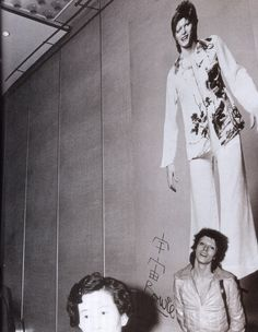 ~ ★ ~ David Bowie ~  ★ ~   #DavidBowie #Art #Pioneer #Icon #Instrumentalist #Love #Visionary