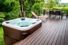 Hot Tub With Trex Decking And Cable Rail