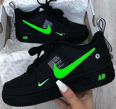 23 Splendid Tennis Shoes Girls Size 3 Tennis Shoes Nike For Men Cute Nike Shoes, Cute Sneakers, Nike Air Shoes, Shoes Sneakers, Women's Shoes, Jordan Shoes Girls, Girls Shoes, Shoes Women, Swag Shoes