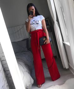 It's all about high waisted trousers 💕✌🏼 Classy Outfits, Chic Outfits, Spring Outfits, Fashion Outfits, Womens Fashion, Mode Hijab, Mode Inspiration, Everyday Outfits, Look Fashion