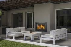 Mirá imágenes de diseños de Livings estilo moderno}: Hogares insertables Nuke. Encontrá las mejores fotos para inspirarte y creá tu hogar perfecto.