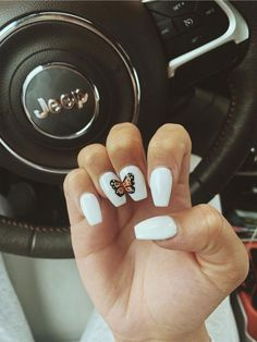 On average, the finger nails grow from 3 to millimeters per month. If it is difficult to change their growth rate, however, it is possible to cheat on their appearance and length through false nails. Acrylic Nails Coffin Short, Simple Acrylic Nails, Best Acrylic Nails, Acrylic Nail Designs, Coffin Nails, Summer Acrylic Nails, Simple Nails, Maquillage On Fleek, Acylic Nails