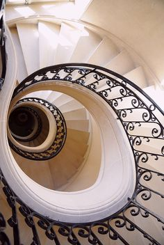 <3<3 black and off whie swirl staircases