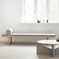 Kristina Dam Studio : à l'essence du design - Joli Place Plywood Furniture, Furniture Design, Home Renovation, Home Remodeling, Bauhaus, Eames, Daybed Design, Lounge, Minimal Design