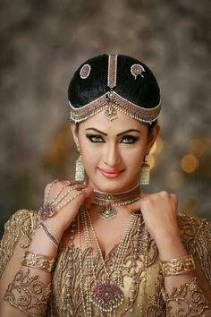 Sajini Priyangika Saree Wedding, Wedding Attire, Wedding Bride, Indian Bridal Fashion, Indian Wedding Jewelry, Cambodian Wedding Dress, Sri Lankan Bride, Indian Actress Images, Pre Wedding Shoot Ideas