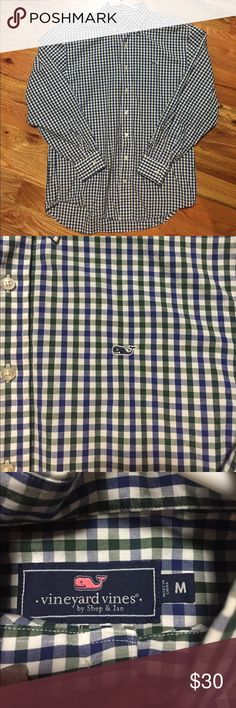 Vineyard Vines Whale Button up shirt. Medium. Vineyard Vines Whale Button up shirt. Men's Medium. Perfect!!!!! Vineyard Vines Shirts Casual Button Down Shirts