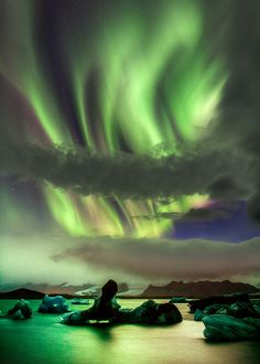 ~~Jökulsarlon Aurora | Northern Lights light up an ice lagoon, Iceland | by Iceland Aurora Photo Tours~~