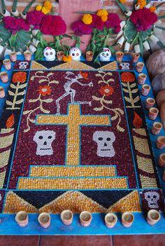 A wonderful beans and corn mosaic for Día de los Muertos. #art #Day_of_the_Dead México tradición, Mexican tradition.