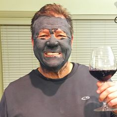Men Love this Organic Black Head Busting Activated Charcoal Mask - It pulls out the impurities and leaves beautiful, healthy skin! $24.95