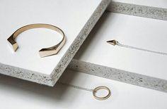 Time to bronze by @mija_lab _________ Utilizza #designtowerMe  @designtower.eu  #blog #art #madeinitaly  www.designtower.eu _________ #handmade #design #ceramic #etsy #giftguide #buyhandmade #shophandmade #italiandesign #italiandesigner #vsco #vscocam #handmadejewellery #handmadejewelry #ring #homedecor #fattoamano #DIY #craft #artisanal #artisancraft #creation #creative #crafty #madewithlove #handcraft #handmadewithlove