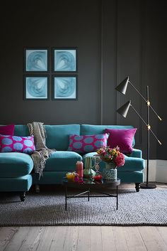 Isla Chaise Sofa Our Isla Chaise mixes drawing room elegance with luxurious lounging. It sits on insanely smart turn Turquoise Sofa, Teal Sofa, Teal Velvet Sofa, Living Room Sofa, Living Room Decor, Living Rooms, Apartment Living, Estilo Interior, Drawing Room