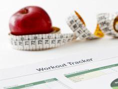 Wer langfristig abnehmen will, sollte durch Sport seinen Kalorienverbrauch ankurbeln. Ein Trainingsplan hilft dabei, den Sport in den Alltag zu integrieren.