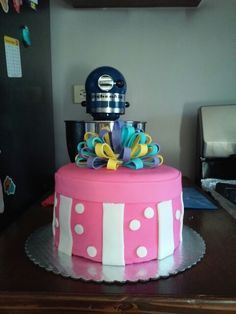My first cake with Foundant... Not to Bad...
