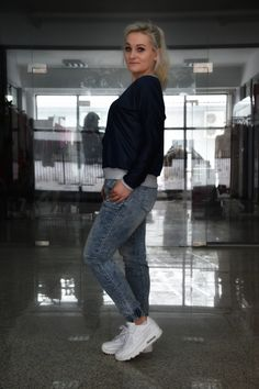 Laksa, Mom Jeans, Normcore, Facebook, Pants, Products, Fashion, Trouser Pants, Moda