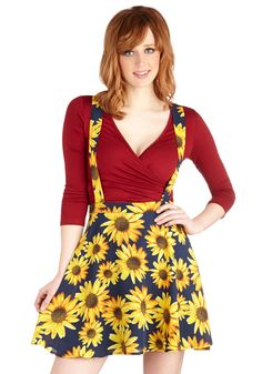 Such Bright Heights Skirt. Today you're seeing your city from its highest point - and youre celebrating a brilliant day in this sunflower-printed jumper! #blue #modcloth