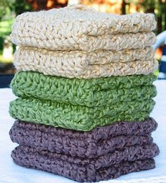 Items similar to Organic Cotton Wash Cloths Handmade Washcloths or Dish Cloth or Bath and Body-Set with 6 Washcloths- Organic Crochet Cotton Washcloths on Etsy Crochet Kitchen, Crochet Home, Knit Or Crochet, Crochet Gifts, Hand Crochet, Yarn Projects, Crochet Projects, Crochet Potholders, Yarn Crafts