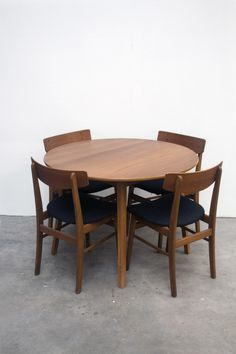Vintage Table with new refurbished Farstrup Chairs   via www.vanOnS.eu