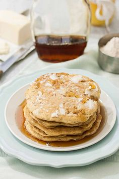 If you love pancakes as much as we do, learn how to make your own recipe from scratch, with our whole grain base.