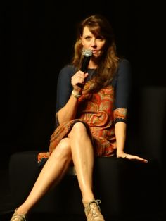 Start- ignition, count- to- zero • spacecowboybriony: Amanda Tapping at Oz Comic...