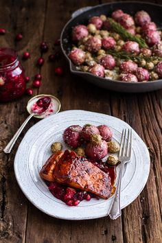 Maple Bourbon Glazed Salmon w/Sweet Cranberry Chutney + Salt Roasted Potatoes Salmon Recipes, Fish Recipes, Seafood Recipes, Dinner Recipes, Cooking Recipes, Healthy Recipes, Healthy Meals, Bourbon Glazed Salmon, Gourmet