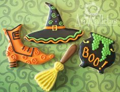 Witch sugar cookies, love the hat! Witch Hat Cookies, Fall Cookies, Cute Cookies, Holiday Cookies, Crazy Cookies, Thanksgiving Cookies, Iced Cookies, Halloween Goodies, Halloween Desserts