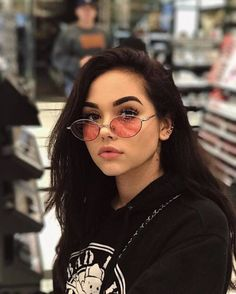 Image about girl in Maggie Lindemann by Dem on We Heart It Maggie Lindemann, Pretty People, Beautiful People, Beautiful Women, Portrait, Lunette Style, Foto Casual, Aesthetic Girl, Brown Eyes Aesthetic