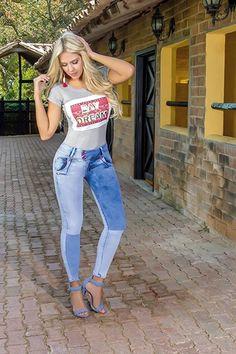 6f65e69210 178 mejores imágenes de ropa deportiva y jeans