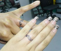 wedding ring Tattoo Ideas | Wedding Finger Tattoos : Wedding Ring Tattoo Ideas for Alternative ...
