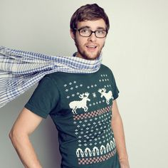 HAHA this is great! Ugly Christmas Sweater as a t-shirt print. LOVES