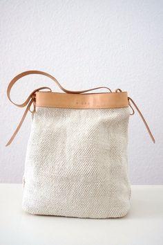 *Helle Schultertasche aus Stoff und Leder* von MICOU auf DaWanda.com