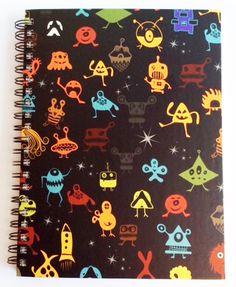 Caderno Médio - Monster fundo preto