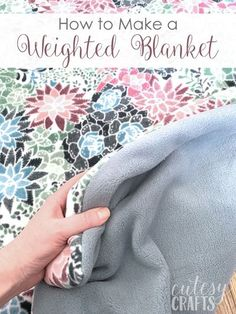 How to Make a Weighted Blanket for an Adult Weighted Blanket Tutorial, Making A Weighted Blanket, Sewing Hacks, Sewing Tutorials, Sewing Tips, Make A Tie, Tie Blankets, Leftover Fabric, Love Sewing