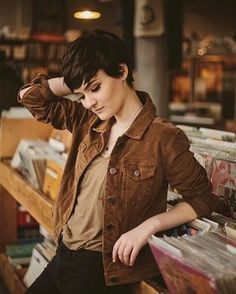 Today we have the most stylish 86 Cute Short Pixie Haircuts. Pixie haircut, of course, offers a lot of options for the hair of the ladies'… Continue Reading → Corte Pixie, Pelo Pixie, Pixie Hairstyles, Cool Hairstyles, Hairstyle Short Hair, Brown Hairstyles, Hairstyle Ideas, Pixie Cut Styles, Cute Pixie Cuts