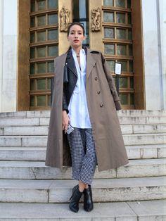 via Face Hunter Autumn Winter Fashion, Fashion Fall, Winter Style, Street Fashion, Street Style Blog, Long Trench Coat, Workwear Fashion, Everyday Fashion, Jeans
