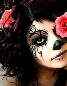 Dia de los Muertos Do: Get creative with eye liner