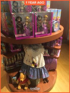Scarlett. Rapunzel, Snow Globes, Disney, Home Decor, Decoration Home, Room Decor, Tangled, Tangled Rapunzel, Home Interior Design