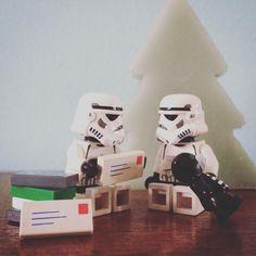 Christmas cards! #christmascards #cards #christmas #cosy #xmas #tree #starwars #starwarslegos #starwarslego #lego #legostarwars #minifigures #minifigure #stormtrooperlife #stormtrooper #bob #iphonography #365project #day351