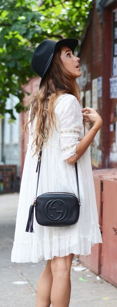 The Gucci Bag You Can Afford - Gucci Disco - Trending Gucci Disco for sales. - The Gucci Soho and Disco cross-bodies are all the hype right now Trendy Dresses, Casual Dresses, Short Dresses, Sun Dresses, Soho Disco Bag, Moda Boho, Gucci Soho Disco, Boho Fashion, Fashion Trends