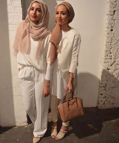 Fashion Arabic Style Illustration Description Hijab Fashion Hijab Whites NYFW (Summer Albarcha and Maria Alia) – Read More – Hijab Fashion 2016, Street Hijab Fashion, Modest Fashion, Girl Fashion, Fashion Outfits, Dubai Fashion, Style Fashion, Islamic Fashion, Muslim Fashion
