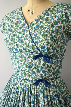 Vintage 1950s Dress 50s Blue and Green Floral Cotton Dress