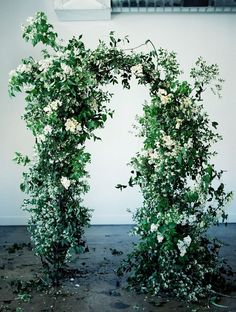 This lush, organic wedding arch brings the outside in. It's slightly wild feel is perfect for understated, laidback luxury weddings Wedding Entrance, Wedding Ceremony Flowers, Wedding Ceremony Decorations, Ceremony Backdrop, Garden Entrance, Wedding Altars, Floral Arch, Arte Floral, Botanical Wedding