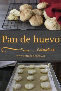 El pan de huevo es un pan pequeño, ligeramente dulce y generalmente disfrutado en picnics o en la playa. Mexican Dessert Recipes, Snack Recipes, Chilean Recipes, Chilean Food, My Favorite Food, Favorite Recipes, Pan Dulce, Pan Bread, Savory Snacks