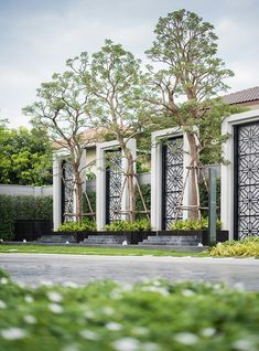 How To Match The Style Of Your Home With Your Landscape Design - House Garden Landscape Fence Wall Design, Main Gate Design, Entrance Design, Facade Design, Exterior Design, Entrance Signage, Exterior Signage, Entrance Gates, Grand Entrance