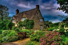 100 Wonderful Classic European Cottage Exterior Design