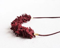 Cranberry Red Pieces Necklace / Leather Necklace / Red by morelle Summer Necklace, Red Necklace, Leather Necklace, Cowhide Leather, Jewelry Accessories, Handmade Jewelry, How To Make, Color, Leather Collar