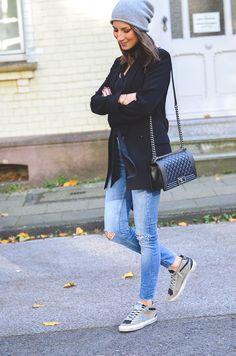 OUTFIT: HELLO MONDAY - Cashmere Beanie, Zara scarf, blazer & skinny Jeans, Chanel Boy Bag & Golden Goose Sneakers
