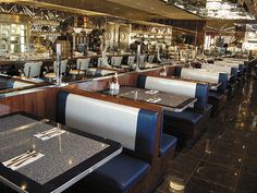 Google Image Result for http://americollector.com/wp-content/gallery/diner-building/silvermoon_interior.jpg